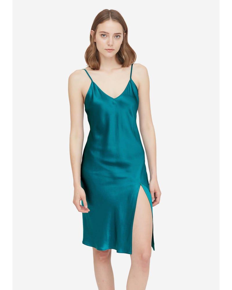22匁夏用シルクネグリジェ Vネック 可愛い シルク100% 柔らかい ギフトにおすすめ 肌触りよい 寝るまま美肌 シンプル ツルツル肌
