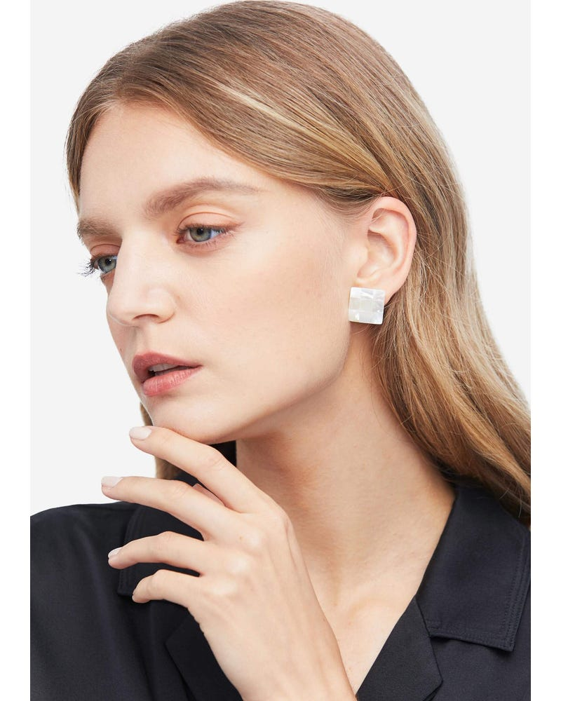 Elegant Freshwater Shell Stud Earrings
